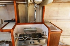 S-S-34-Shenandoah-11-Galley-with-stove-sink